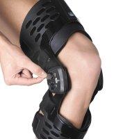 Бандаж на коленный сустав (наколенник) регулируемый, жесткий 3131
